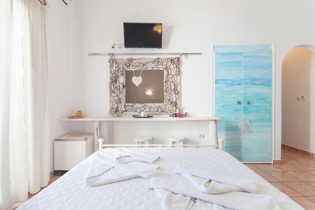 Madaky Hotel - Where to stay in Paros